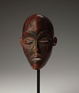 "Image of Mask (""Pwo"")"